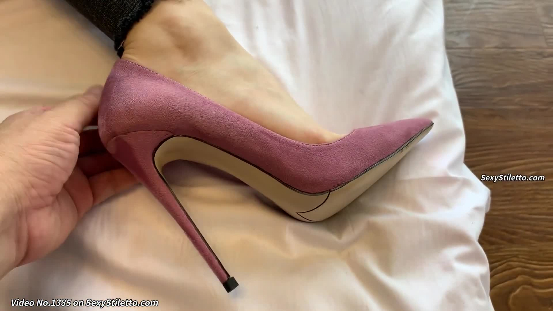 Foot Fetish and Sexy Stiletto Videos from AISAN Part 274