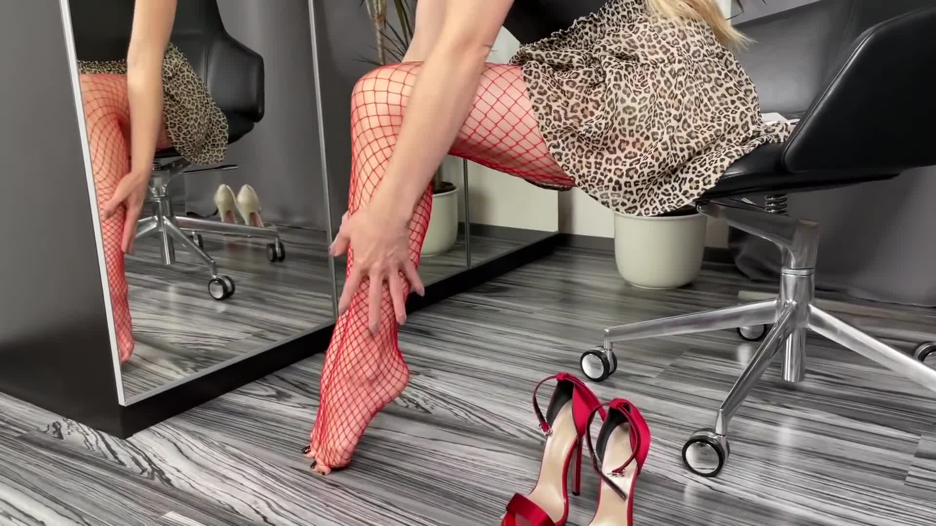 Bupshi - various heels & fishnet tights